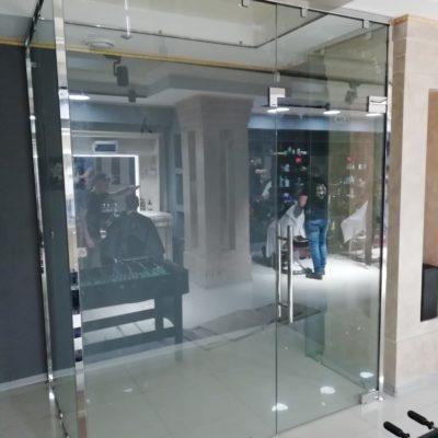 Скляна перегородка від виробника