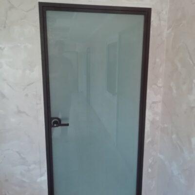 двері скляні лофт матові